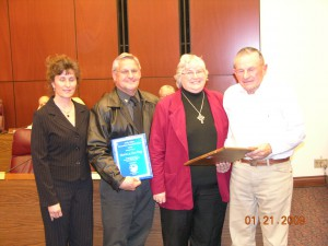 Norm and Sue Frey are awarded the 2009 Andy Aldax award by CWSD Chairman Gwen Washburn and Andy Aldax.
